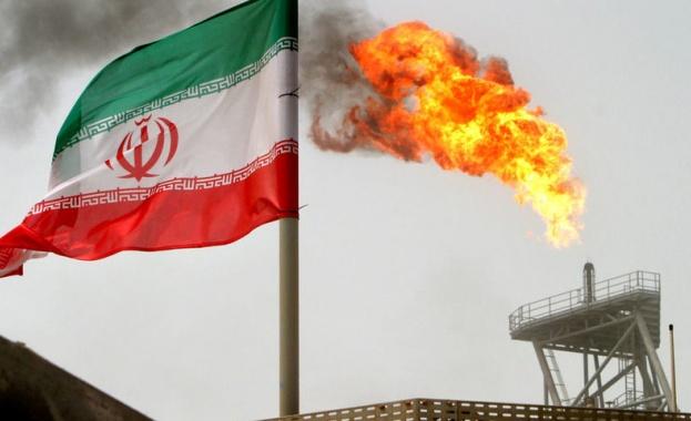 Иран е мобилизирал всичките си ресурси, за да продава петрол