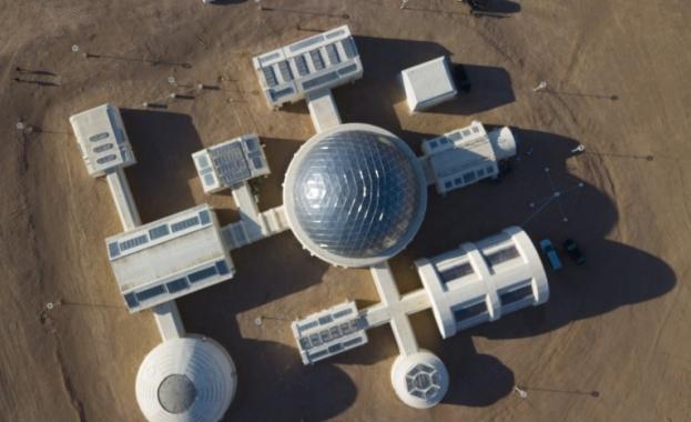 Марсианска база в пустинята Гоби