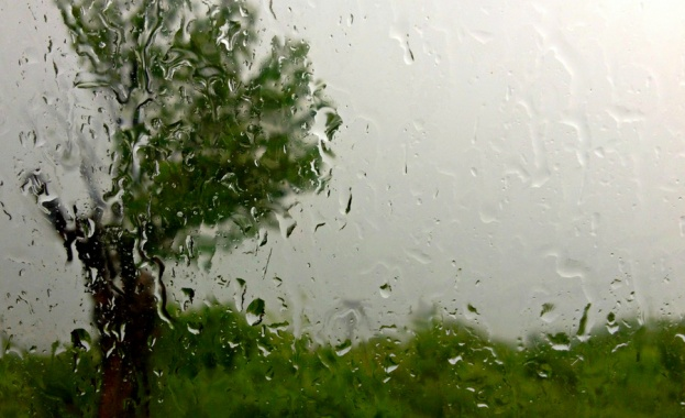 Интензивни валежи в 5 области
