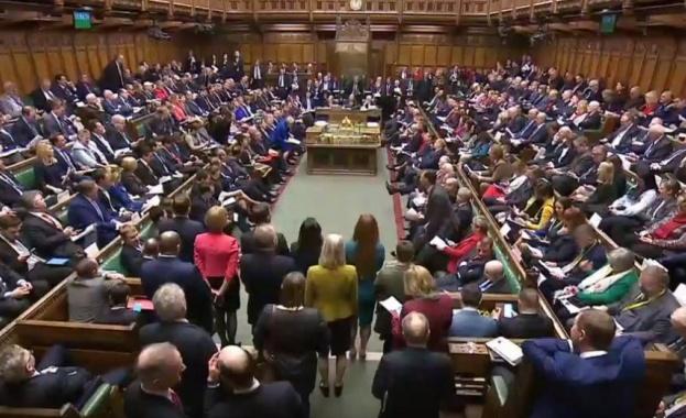 Сесията на британския парламент е най-дългата от 350 години насам