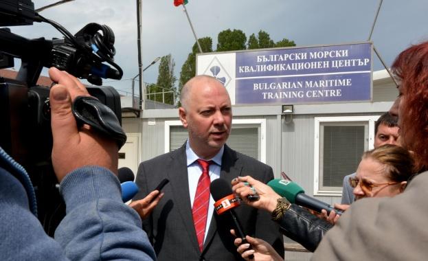 Министър Росен Желязков: Търсим консенсус за развитието на пристанище Варна