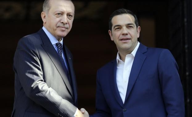 Гръцка медия съобщи за тайни преговори между гръцкия премиер Алексис