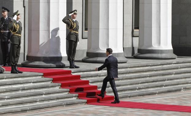 Новият украински президент Володимир Зеленски заяви в слово при встъпването
