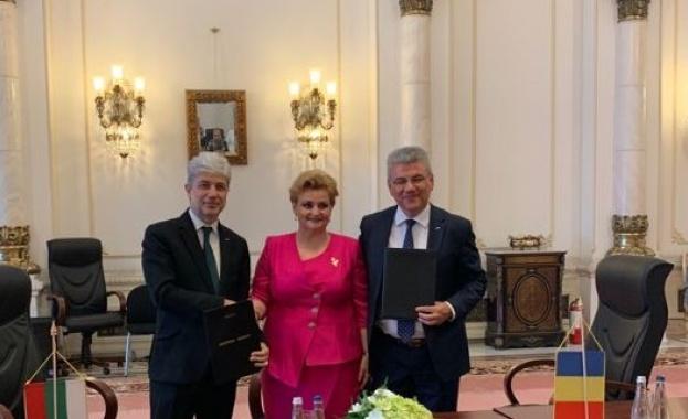 Министърът на околната среда и водите Нено Димов, вицепремиерът и