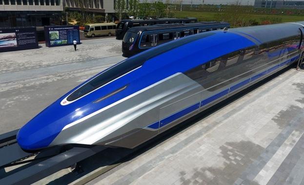 Първият прототип на влак на магнитна възглавница (тип маглев), разработен