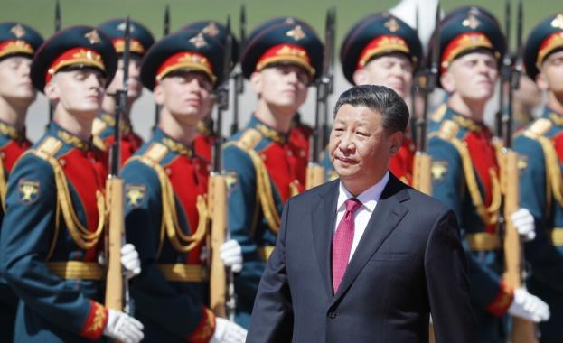 Китайският президент Си Цзинпин пристигна на историческо двудневно посещение в