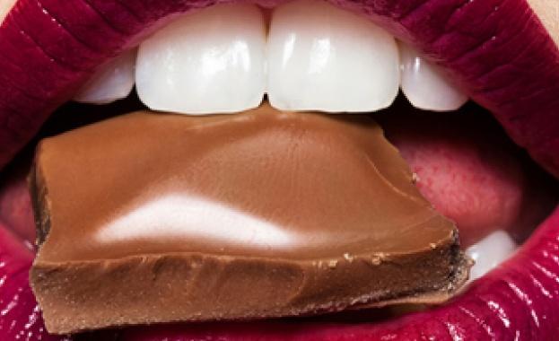 """Шоколадът. Сладък, млечен, считан за """"храна на боговете"""" от древните"""