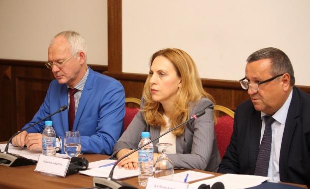 Законодателни промени в модела на здравноосигурителната система в България и