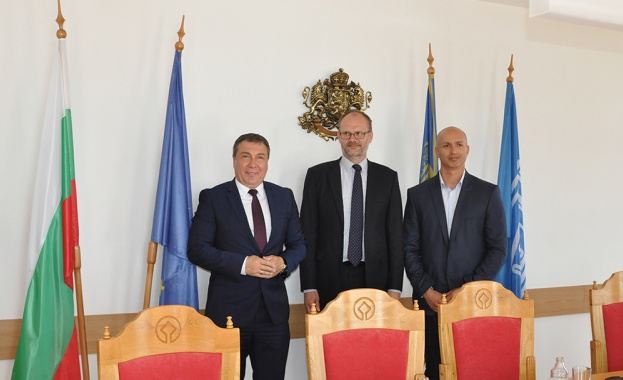 Вчера кметът на Несебър Николай Димитров посрещна Негово Превъзходителство посланика
