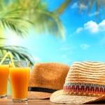 Слънчева и гореща неделя, на места с превалявания