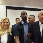 Осъдиха съпругата на Нетаняху за поръчка на ресторантска храна с бюджетни пари