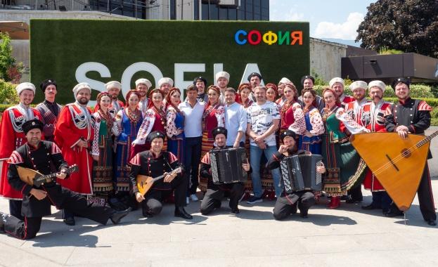 120 души от Кубанския казашки хор са вече в София.