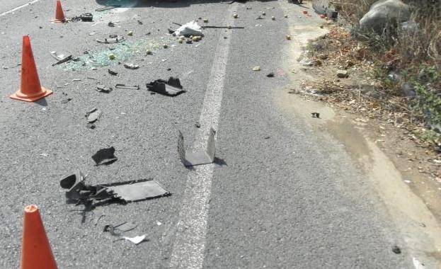 Главният път Бургас-Созопол е затворен след катастрофа между товарен камион