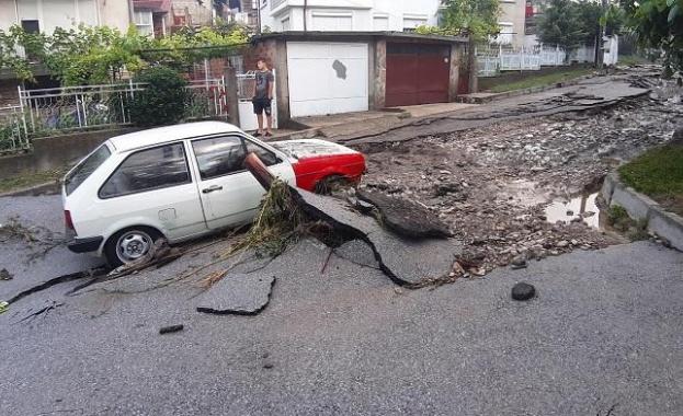 Бедственото положение в Котел е отменено след изсипалия се пороен