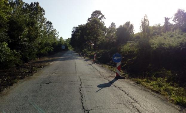 Започва укрепване на свлачището при 62-ри километър на път III-1306,