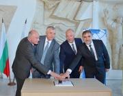Министър Желязков валидира пощенска марка по повод 140 г. дипломатически отношения между България и Русия