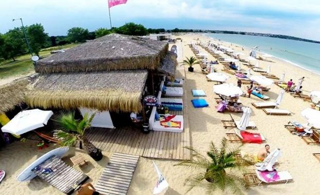 Зрители на БТВ сигнализираха за ограничаване на достъпа до плажа