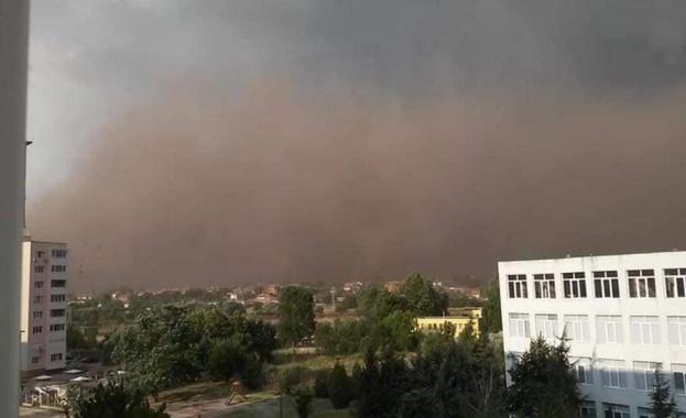 Какви са причините за прашната буря в Гълъбово
