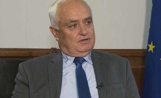 Зам.-министърът на отбраната: Ще купим още 8 изтребителя на разсрочено плащане