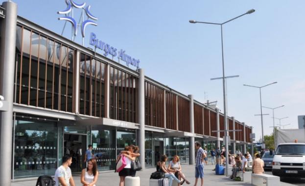 146 пътници, които е трябвало да излетят от Бургас за