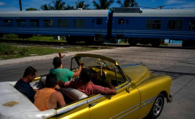 Първите нови вагони от 40 години в Куба поеха на