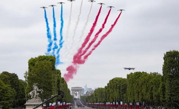 В Париж се проведе традиционният военен парад по случай националния