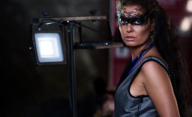 С изцяло променена визия, Александра Сърчаджиева ще даде старт на