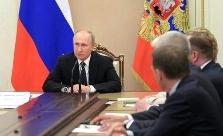 Путин опрости получаването на гражданство за жителите на два региона на Украйна