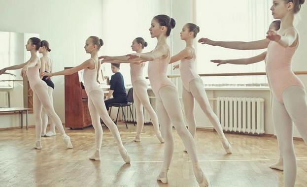 """Имперският руски балет откри детска балетна академия в комплекс """"Камчия"""""""