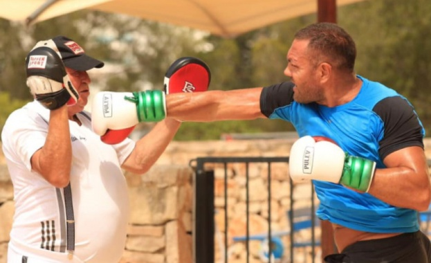 Снимка: Кубрат Пулев тренира в Майорка преди да замине за Калифорния