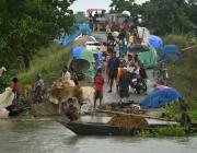 Най-малко 650 души станаха жертви на мусоните в Южна Азия