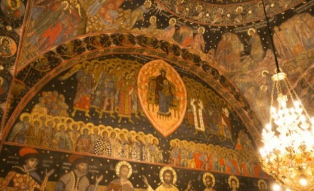 Стенопис от ХІV век се реставрира в църквата