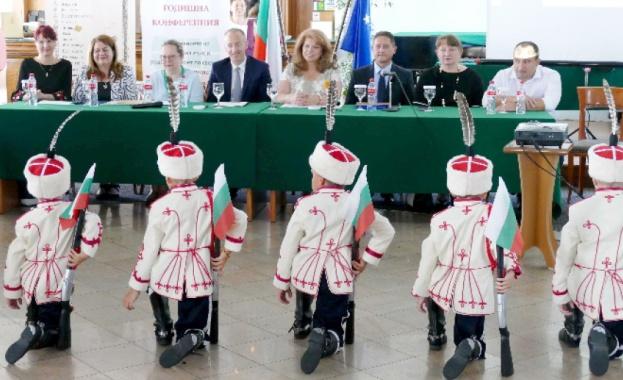 Съхранението на българския език трябва да се превърне в национална
