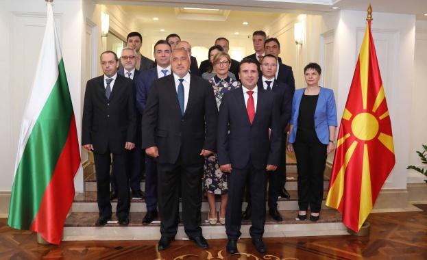 Министър-председателят Бойко Борисов пристигна в Скопие, където съвместно с министър-председателя