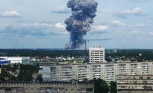 Снимка: Расте броят на ранените след взрива в оръжейни складове в Русия