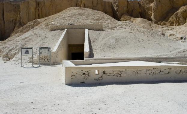 """Страх от """"проклятието на фараоните"""" в Египет заради нарязана гробница"""