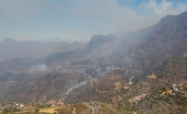 Горски пожари бушуват в Гърция и Испания