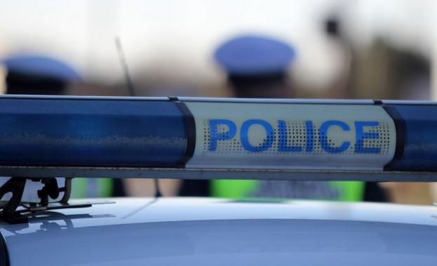 Мъж преряза гърлото си пред очите на полицейски екип в Бургас