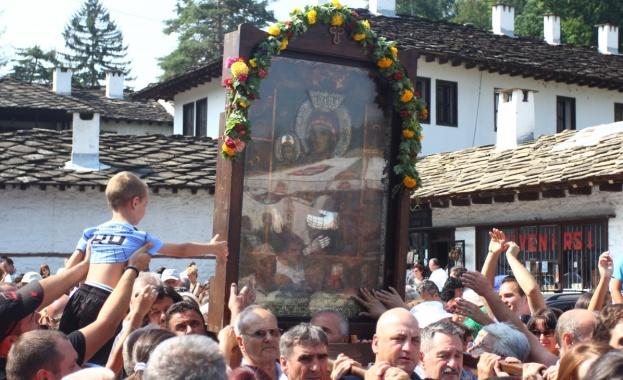 Патриарх Неофит: Следвайте примера на Света Богородица и да живеем достойно