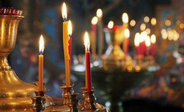 Свети Мирон бил презвитер в Ахая по време на царуването