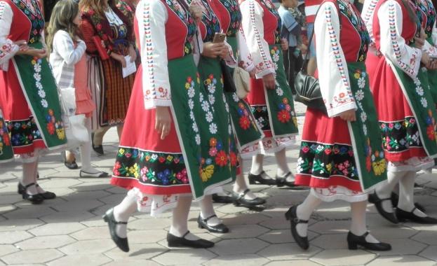 Снимка: Жеравна отново е домакин на Фестивала на народната носия