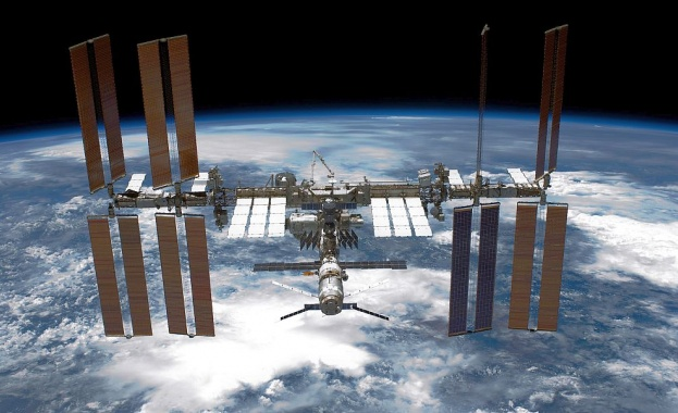 Астронавтите от НАСА Ник Хейг и Андрю Морган ще излязат