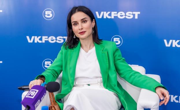 Известната руска телевизионна журналистка и общественик Тина Канделаки сподели скоро