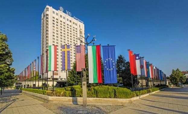 Още един хотел от империята на Ветко Арабаджиев мина в