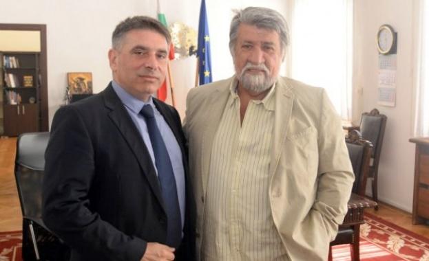 Министърът на правосъдието Данаил Кирилов и шефът на парламентарната културна
