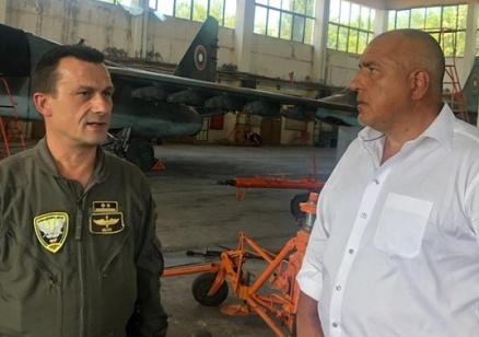 Борисов във Фейсбук: Правителството осигури 82,510 милиона лева на МО за самолетите