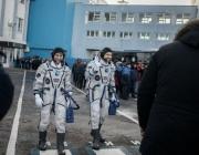 Разследват първо престъпление от Космоса: астронавтка хакна сметката на съпругата си