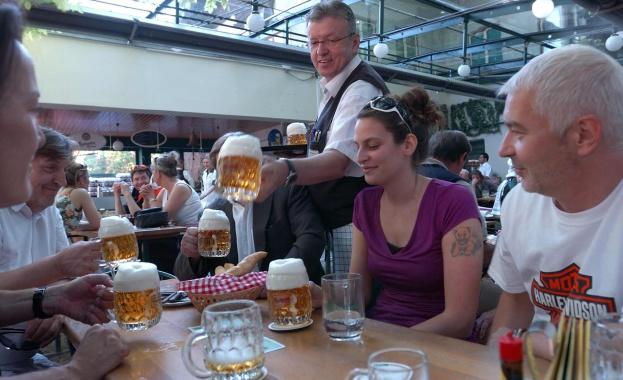 Все повече ресторанти във Виена правят резервации само за ограничено