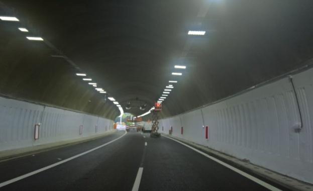 """Снимка: Внимавайте в тунел """"Топли дол"""" на АМ """"Хемус"""", в посока Варна!"""