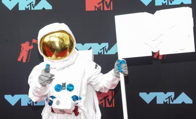 """Поп звездата Тейлър Суифт спечели наградата на """"MTV Video Music"""